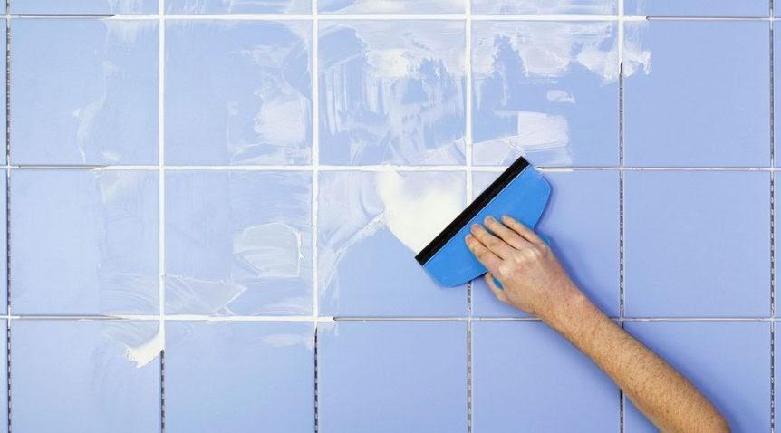 Bạn cần phải vệ sinh bề mặt thi công thật sạch sẽ, mịn, phẳng và khô ráo